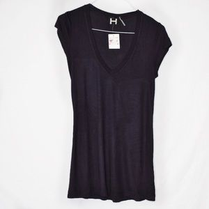 H by Bordeaux Ribbed V-Neck Classic Tee